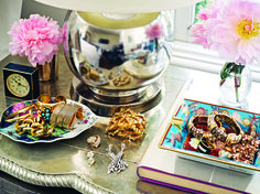 trays... i need to do this. my jewelry is a mess.
