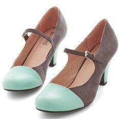 cute charcoal heels  http://rstyle.me/n/mnzj2pdpe