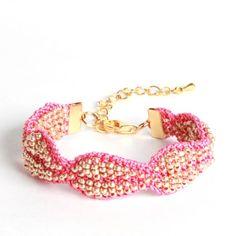 Leaves bracelet in gold and pink