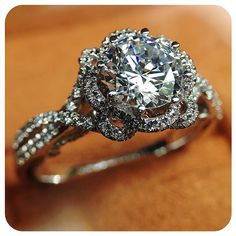 He loves me, he loves me, he loves me... He loves me a lot!! {Insignia-7087R}. Engagement rings by @Verragio