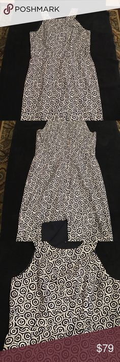 Adrianna Papell Women Dress Very nice all occasions dress in very good condition!!!two tone dress printed! Dresses