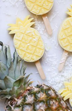 Pineapple Coconut Rum Popsicles - Sugar and Charm - sweet recipes - entertaining tips - lifestyle inspiration Sugar and Charm – sweet recipes – entertaining tips – lifestyle inspiration Pineapple Popsicles, Pineapple Coconut, Coconut Rum, Coconut Popsicles, Ice Popsicles, Frozen Desserts, Frozen Treats, Delicious Desserts, Dessert Recipes