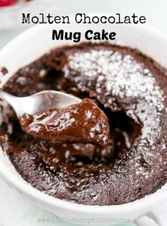 Vegan Molten Chocolate mug cake is ready in just 2 minutes. It's decadent, smooth and absolutely heavenly! You won't believe that this lava cake is made in the microwave. via # mug cake Molten Chocolate Mug Cake (Vegan) Molten Chocolate, Chocolate Mug Cakes, Vegan Chocolate, Chocolate Recipes, Nutella Mug Cake, Chocolate Lovers, Easy Chocolate Lava Cake, Banana Mug Cake, Easy Chocolate Desserts