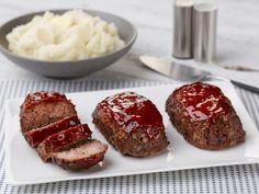 Meat Loaves Mini Meatloaves Ina Garten--Add 3 ounces of cheddar cheese to this to make ridiculous.Mini Meatloaves Ina Garten--Add 3 ounces of cheddar cheese to this to make ridiculous. Meat Recipes, Cooking Recipes, Dinner Recipes, Mini Meatloaf Recipes, Dinner Ideas, Recipies, Dinner Dishes, Dinner Menu, Yummy Recipes