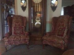 Central New Jersey amandaleesupholstery.webs.com amanda.lees4506@gmail.com  If you are looking for custom window draperies or shades, some decorative pillows,