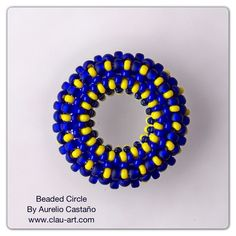 Beaded Circle Beaded Earrings, Beaded Jewelry, Beaded Bead, Jewelry Art, Jewelry Design, Jewelry Ideas, Bead Crochet Rope, Peyote Beading, Beading Tutorials