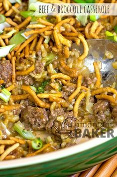 Try this Asian-style beef and broccoli casserole for a great weeknight meal You are in the right place about Ground Beef chili Here we offer you the most beautiful pictures about the Ground Beef slopp Chinese Hamburger Recipe, Chinese Casserole Recipe, Hamburger Dishes, Hamburger Meat Recipes, Beef Dishes, Chinese Beef And Broccoli, Broccoli Beef, Beef Chow Mein, Entrees