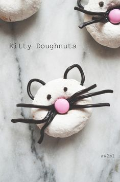 Kitty Doughnuts - easy to make with preschoolers and toddlers.