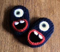 Items similar to Wool Baby Monster Slippers - Pink with Eye Lashes, Wool Baby Slippers, Crib Shoes, Booties on Etsy Knitting Projects, Crochet Projects, Knitting Patterns, Crochet Patterns, Crochet Tutorials, Crochet Baby Booties, Crochet Slippers, Crochet Crafts, Knit Crochet