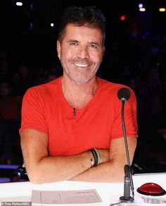 Simon Cowell reveals he was forced to get tested for coronavirus after AGT judge Heidi Klum fell ill - Angle News Simon Cowell, Los Angeles Homes, Red High, White V Necks, American Idol, Color Splash, Famous People, All About Time, Followers