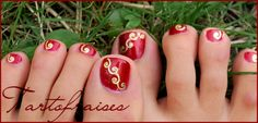 Red with Gold Charms Pedicure by Tartofraises
