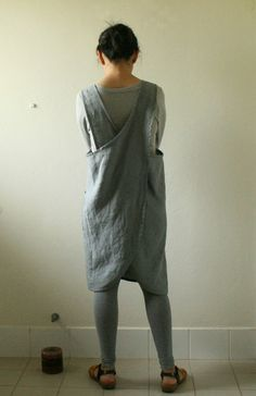 GREY LINEN APRON / PINAFORE 100% linen handmade in australia Handmade from mid weight linen, this loose fitting pinafore features 4 individual-- closed back