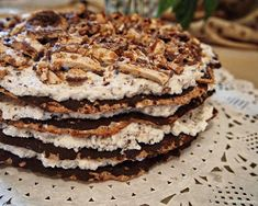 Bezé dort s mascarpone krémem Dessert Recipes, Desserts, Pancakes, Baking, Breakfast, Eastern Europe, Food, Mascarpone, Tailgate Desserts