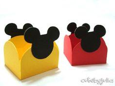 Festa minnie e Mickey Mouse Minie Mouse Party, Minnie Y Mickey Mouse, Fiesta Mickey Mouse, Mickey Mouse Clubhouse, Happy Birthday B, Mickey Party, Mickey Mouse Birthday, 1st Birthday Parties, Mickey And Friends