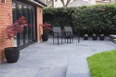 Patio garden design - Amazing DIY Slate Patio Design And Ideas Slate Patio, Patio Slabs, Concrete Patio, Concrete Stone, Stamped Concrete, Patio Flooring, Slate Garden, Patio Garden Ideas Uk, Diy Patio