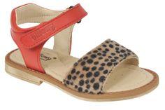 Sandalia Moda Infantil Modelo. 5802C45 NAPA Coral talla 24 al 33 Open Toe Sandals, Coral, Summer Shoes, Kids Fashion, Africa, Children, Hawaii, Printed, Style