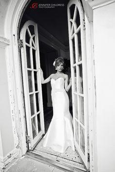 Jennifer Childress Photography | Pen Ryn Mansion | Pen Ryn Estate | Bucks County | Wedding | Bensalem, PA | Petals Lane | Bride                www.jennchildress.com
