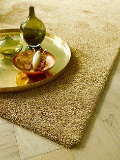 #Gold fever! Een mooie rijke goudtint in het #tapijt ademt luxe. Parade Contessa