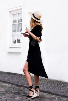 Popular Ways to Wear Wedges for Spring and Summer Ideas Source by danameichsner black dress outfit Wrap Dress Outfit, Black Dress Outfits, Outfits With Hats, Casual Summer Outfits, Mode Outfits, Spring Outfits, Fashion Outfits, Black Summer Dresses, Black Wedges Outfit