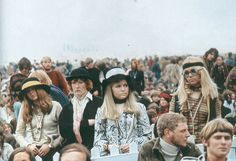 Isle of Wight Festival by David Hurn, England, 1969 photos) 1960s Fashion, Vintage Fashion, Scarborough Fair, Isle Of Wight Festival, Twist And Shout, Photographer Portfolio, Music Images, One Image, Black N White Images