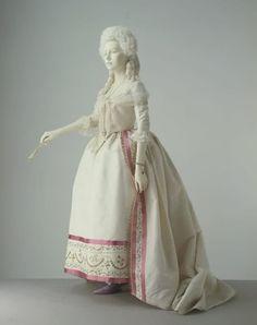 1780-1785 dress, probably French, via V&A.