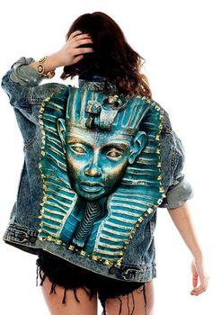 Acid Wash Denim Jacket, Painted Denim Jacket, Painted Jeans, Painted Clothes, Denim Fashion, Fashion Art, Fashion Outfits, Fashion Design, Custom Clothes