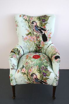 Fascinating Useful Tips: Upholstery Armchair Ottomans upholstery corners interior design.Upholstery Tips Posts. Funky Furniture, Design Furniture, Shabby Chic Furniture, Painted Furniture, Unique Furniture, Coaster Furniture, Furniture Removal, Chair Design, Recycled Furniture