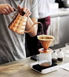 Hario Copper Lovin' on the #Acaia Pearl! | Get Featured with #Alternativebrewing & Tag us | | TAG your coffee friend! | by @haiyoel