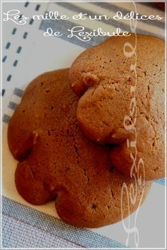 """Ah les fameux biscuits """"pattes d'ours"""", les favoris des petits et grands enfants. Ils me rappellent ceux de mon enfance et pour être honnê..."""
