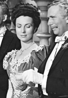 Agnes Moorehead and Ray Collins in The Magnificent Ambersons (1942) http://www.mildredsfatburgers.com/the-blog/the-magnificent-agnes-moorehead
