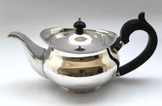 Exquisite Solid Sterling Silver Tea Pot Chester 1923