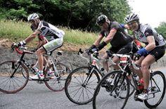 Sur les traces des champions du Tour de France, venez découvrir les charmes de notre Vallée ou de nos cols et sommets mythiques Aubisque, Soulor, Tourmalet, Ardiden, Hautacam....