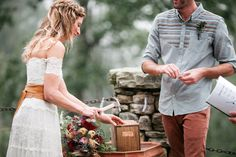 5 Easy, Unique Wedding Ceremony Traditions | http://blog.wedding-spot.com/2014/02/19/5-easy-unique-wedding-ceremony-traditions/
