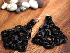 Chinese Knot Earring by Natural Leather Rope, Black, with 925 Sterling Silver Ball Ear Wire Celtic Crafts, Ear Earrings, Pattern Pictures, Macrame Tutorial, Macrame Patterns, Textile Jewelry, Jewelry Making Tutorials, Natural Leather, Knots