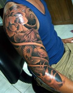 #Tattoo #Koi #Sleeve #tattoos inkt #japanese tattoo #koisleeve #black&white