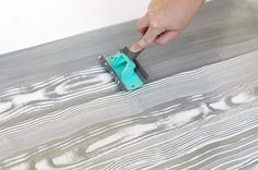faux bois painting technique - it looks so simple! This could be how the walls were done in the pic. I want for the living room wall. Do some research on this one.