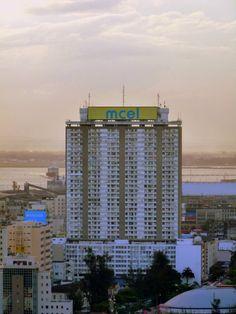 Prédio 33 andares - Maputo Maputo, Willis Tower, Tanzania, Cabo, Skyscraper, Country, Architecture, Building, Places