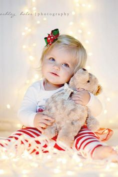 Christmas Photography, Baby Christmas Photo, Christmas lights photography.