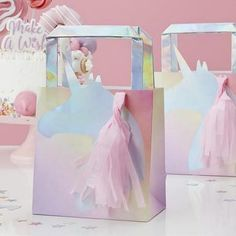 Are you interested in our Unicorn Party * party bags? With our Unicorn Party * party bags you need look no further. Unicorn Party Bags, Unicorn Party Supplies, Unicorn Gifts, Birthday Favors Girls, Unicorn Birthday Parties, Girl Birthday, Paper Party Bags, Party Gift Bags, Party Favours