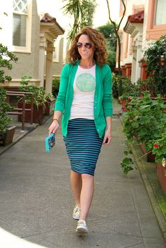 How to dress down a pencil skirt. T shirt , cardigan and sneakers or boat shoes