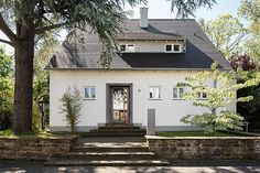 http://www.falke-architekten.de/umbau_50er_haus.php