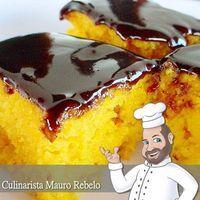 Bolo de Cenoura Receita Campeã Mauro Rebelo - ela foi postada por mim em 2004 no site Bemcomer e novamente em 2005 no blog CULINÁRIA-RECEITAS. Ingredientes: 3 ovos 2 xícaras (chá) de açúcar (320g) 2 xícaras (chá) de farinha de trigo (260g) 1 colher (sopa) rasa de fermento ou use colher medida 100ml de óleo 300g de cenouras cruas 1 pitada de sal: