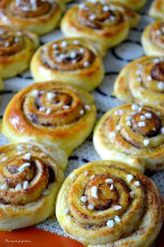 Croissants, Swedish Recipes, Sweet Recipes, Cinnabon Rolls, Food Porn, Brioche Bread, Scandinavian Food, Good Food, Food And Drink