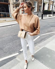 Sweater, at Topshop UK - Wheretoget You are in the right place about zara fashion outfits Here w Cream Jeans Outfit, White Pants Outfit, Jeans Outfit Winter, Mom Jeans Outfit, Winter Fashion Outfits, Spring Outfits, White Jeans Outfit Summer, White Jeans Winter, Summer Outfit