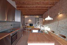 ÀTICO EN GRACIA : Comedores de estilo mediterráneo de Lara Pujol   Interiorismo & Proyectos de diseño
