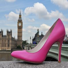 Design your perfect pair of shoes at Upper Street - #bigben #london