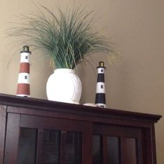 re-pinning for momma Lighthouse/ SeA Grass Beach Decor'