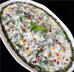 Yoğurtlu Semizotu Mezesi Cold Appetizers, Appetizer Recipes, Olive Paste, Purple Cabbage, Italian Cooking, Quiche, Cucumber, Carrots