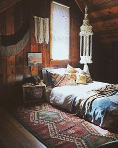 I want to make my walls look like this, it's so beautiful! A dark wood stain.. a nice carpet. It'd be my #tinyhouse heaven.