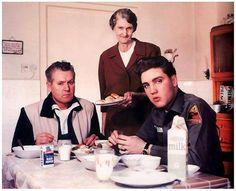 Elvis, Vernon & Minnie May (Dodger)